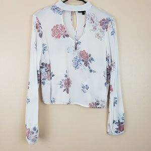 Kendall & Kylie | Long Sleeve | Keyhole | Floral